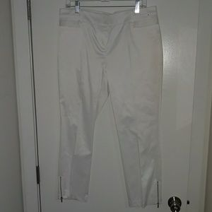 New York & Company Cropped Pant